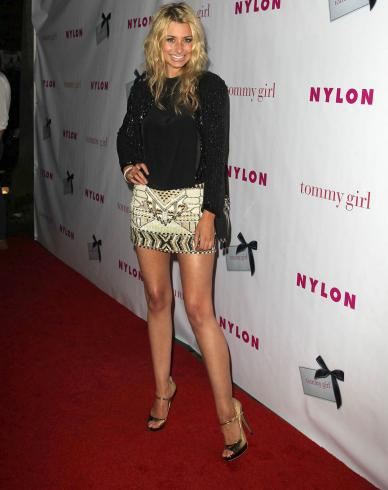 Aly & AJ Michalka Hot Red Carpet Sister Action